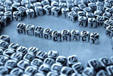 دموکراسی با موانع ساختاری نظام ایران روبروست