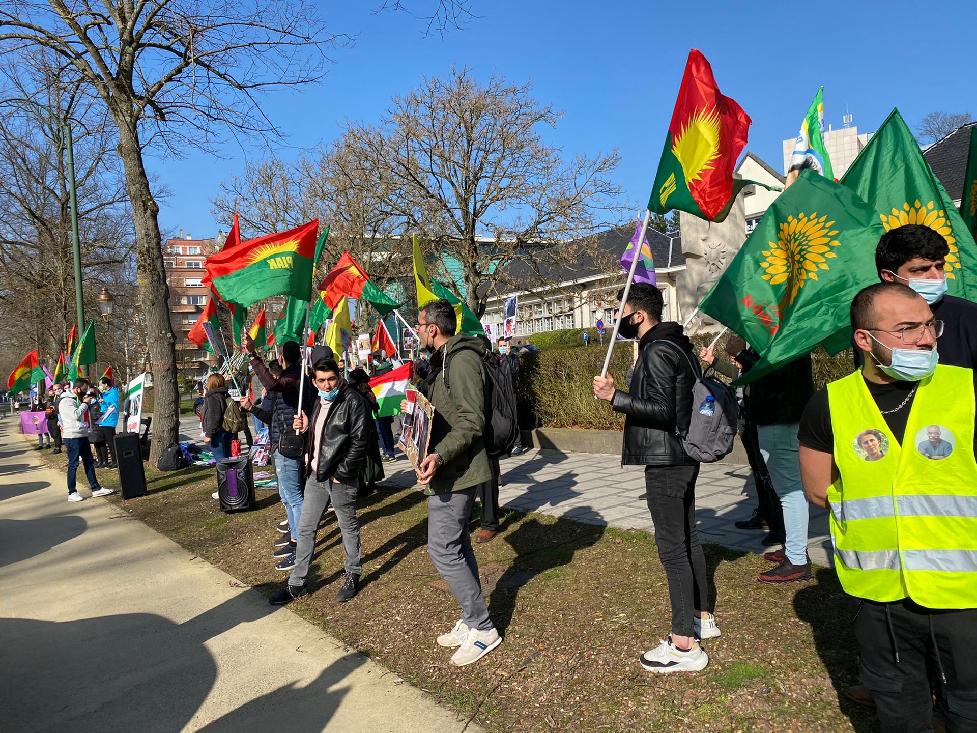 در بلژیک موج دستگیریهای کردستان و کشتار وحشیانهی سوختبران بلوچ محکوم گردید